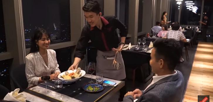 nhà hàng lãng mạn cầu hôn