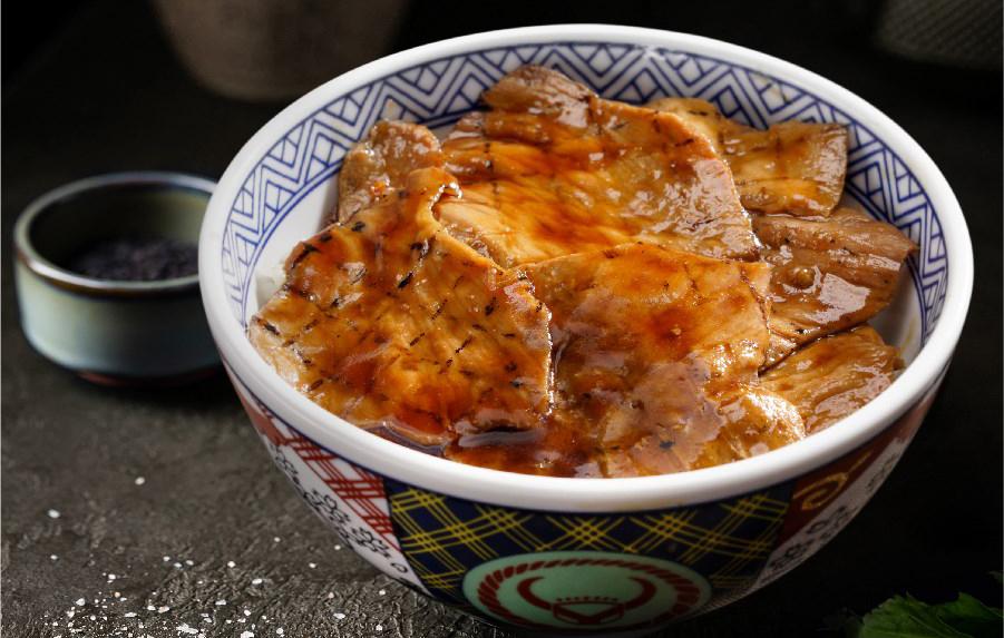 Cơm thịt heo nướng Hokkaido